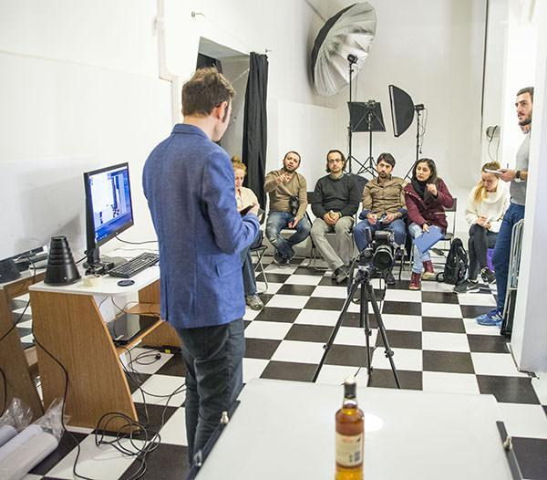 Beyoğlu Taksim Kiralık Fotoğraf Stüdyosu