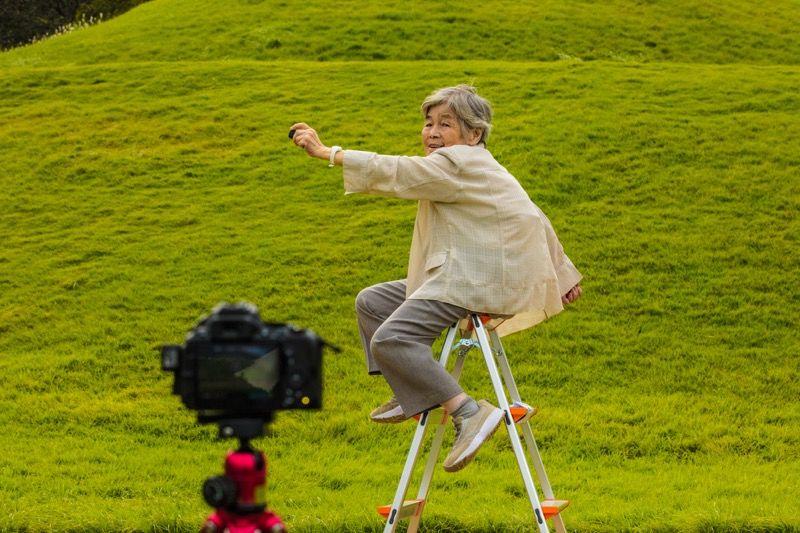 Absürt Oto Portreleri İle Fenomen Olan 89 Yaşındaki Fotoğrafçı Kimiko Nishimoto Burak Bulut Fotoğraf Atölyesi 1
