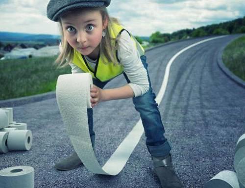 Yaratıcı Photoshop Teknikleri İle Kızlarına Yeni Dünyalar Yaratan Fotoğrafçı