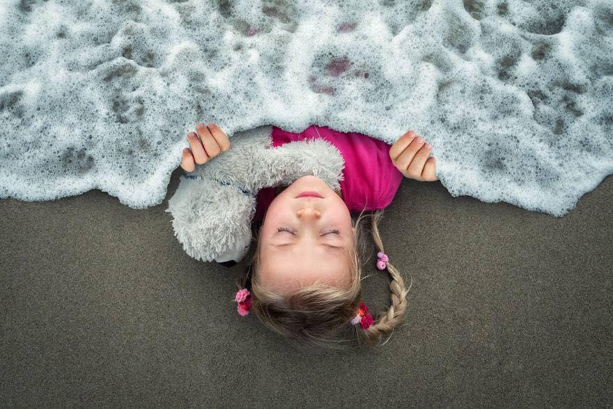 Yaratıcı Photoshop Teknikleri İle Kızlarına Yeni Dünyalar Yaratan Fotoğrafçı Yaratıcı Photoshop Teknikleri 2